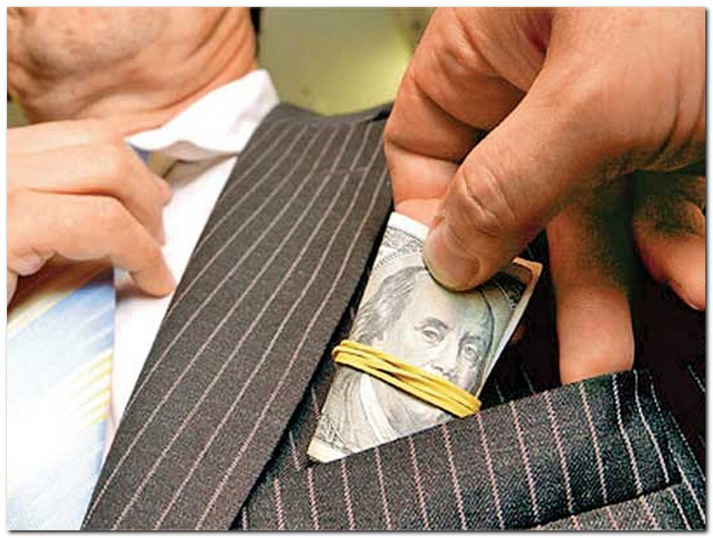Политика Украины помогла стране возглавить ТОП коррумпированных стран