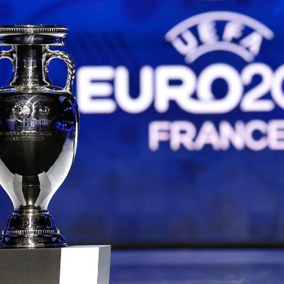 Во Франции запретили алкоголь на матчах Евро-2016 из-за драк фанатов