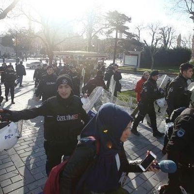 Число пострадавших украинцев в теракте в аэропорту Стамбула возросло до трех