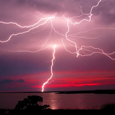 На Корсике молния попала в НЛО (ВИДЕО)
