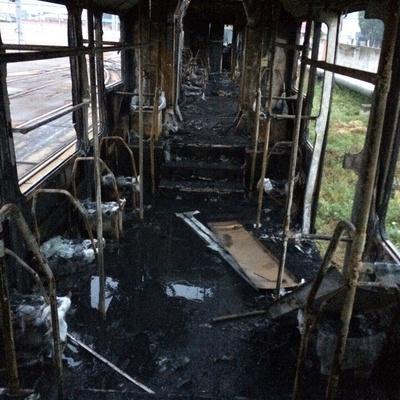 Пожар в столичном трамвае: вагоны выгорели полностью (фото)