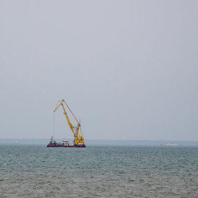 Возле Крыма затонул российский кран, есть погибшие
