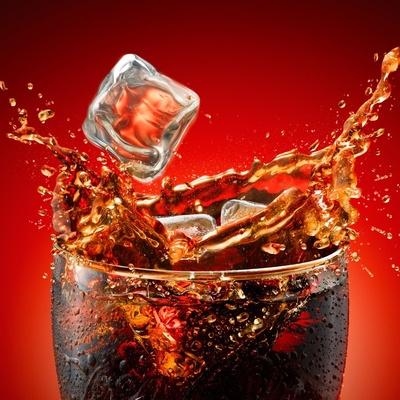 Возле столицы взорвали цистерну с тысячей литров Coca-Cola