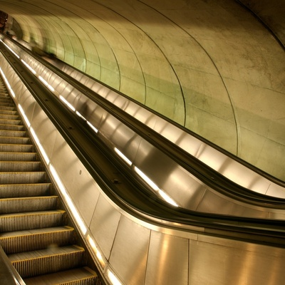 Самый длинный в мире эскалатор находится в Китае (ФОТО)