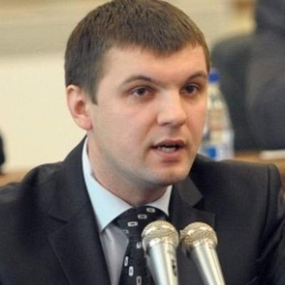 Депутаты разводятся: народного избранника бросила жена