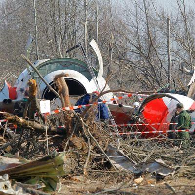 В день Смоленской катастрофы Туск разговаривал с Путиным: записи разговоров хранятся в Польше