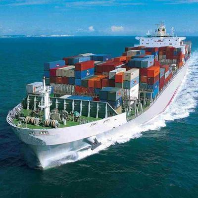 Морской гигант не преодолел Панамский канал (видео)