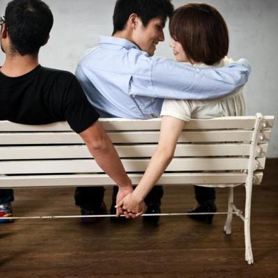 Кто чаще всего изменяет своим мужьям: социологи провели опрос