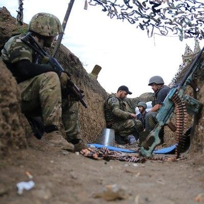 Пророссийские боевики не прекращают обстрелов позиций ВСУ