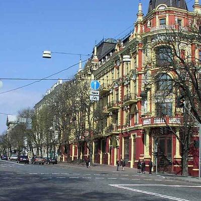 Завтра в Киеве перекроют улицу Прорезную на 11 часов