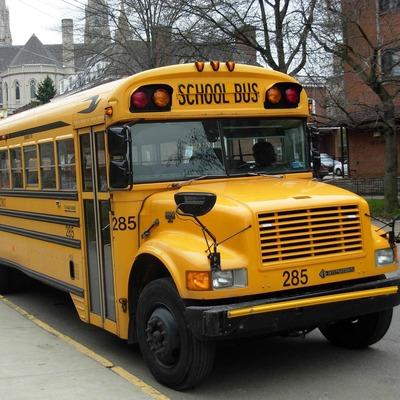 Школьный автобус попал в ДТП, есть погибшие (Фото)