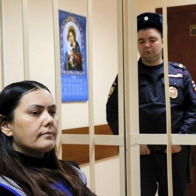 В Москве суд освободил от уголовной ответственности няню, которая отрезала 4-летнему ребенку голову
