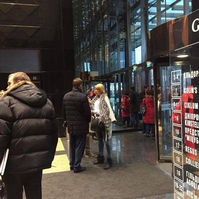 В ТРЦ Гулливер проходит обыск по делу о хищении средств банка Михайловский