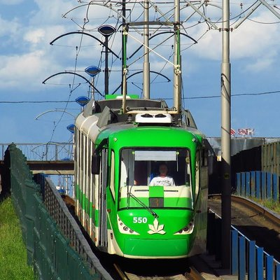 Трамвай-убийца вернулся: В Киеве женщина попала под поезд