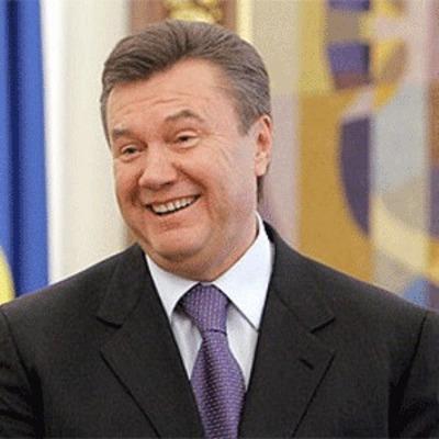Пользователи соцсетей высмеяли допрос Януковича и назвали его овощем (фото)