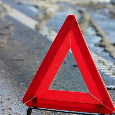 В Ровенской области микроавтобус занесло под грузовик, погибло 2 человека (фото)