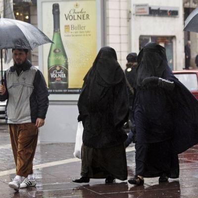 В Нидерландах будут штрафовать за ношение паранджи