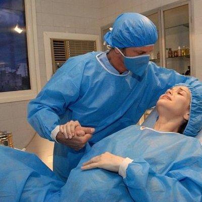 Спасти ребенка не удалось: В Винницкой области беременная случайно проткнула живот шприцем