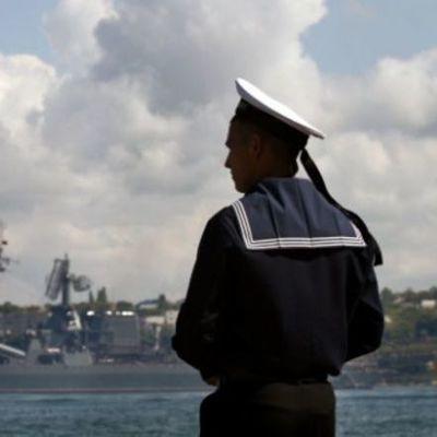 Российские корабли покинули опасную зону из-за украинских стрельб