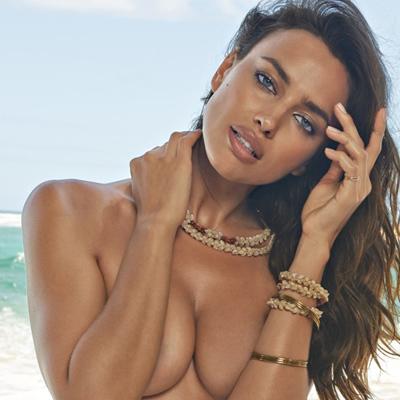 Модель Victoria's Secret Ирина Шейк вышла на подиум беременной (фото)