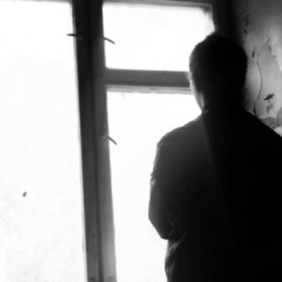 Смертельный квест: в Мариуполе девушка прыгнула с 13-го этажа, выполняя задание игры