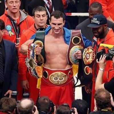 Официально: Кличко получит шанс снова стать чемпионом мира