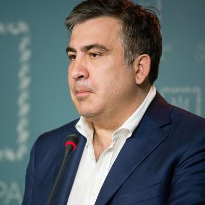Саакашвили показал доказательства масштабной коррупции в военных закупках