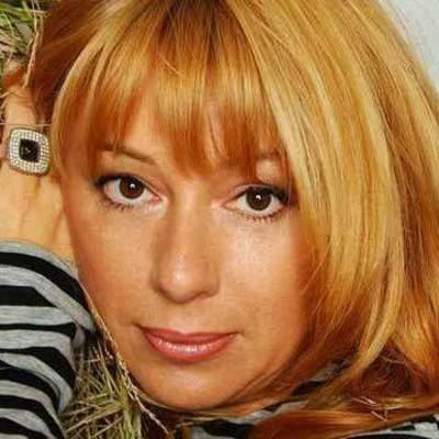 52-летняя Алена Апина снялась в нижнем белье (видео)