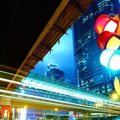На бульваре с новым названием ставят новый светофор