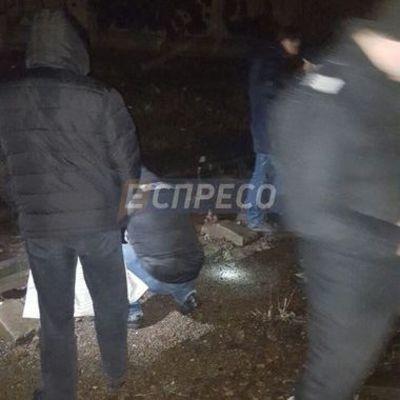 Киевская электричка насмерть сбила мужчину (фото)