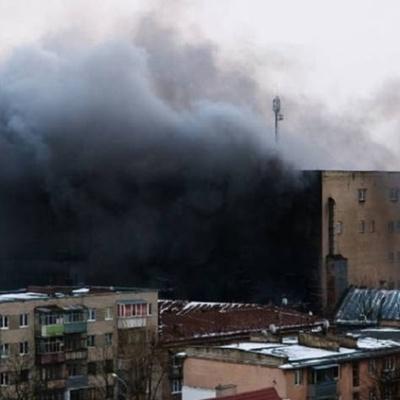 Во Львове горит завод (фото)