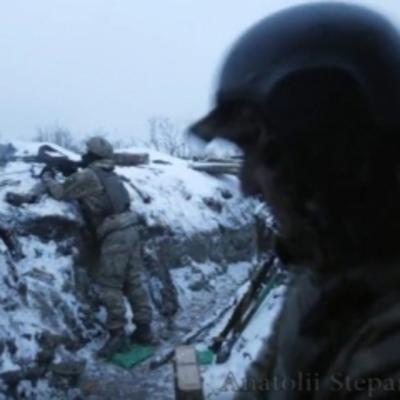 Появилось видео, как украинские военные держат оборону на Светлодарской дуге