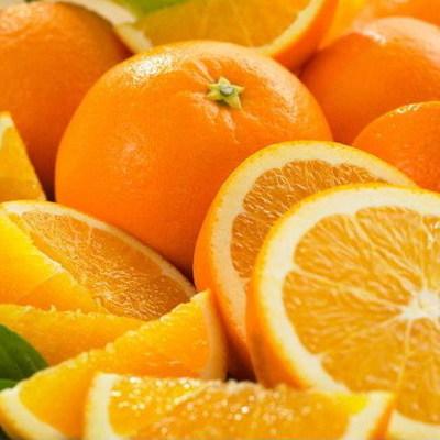 В одном из супермаркетов Киева продают крашеные апельсины
