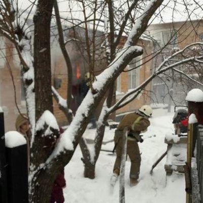 Под Киевом дети едва не сгорели из-за шалостей с огнем (фото)