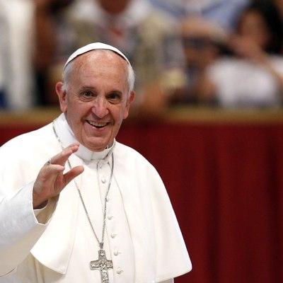 Папа Франциск призвал женщин не стесняться кормить младенцев грудью во время церемонии в церкви