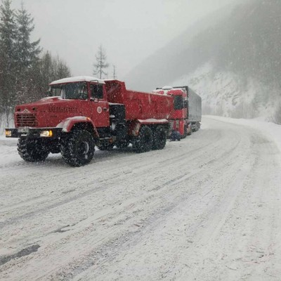 На Закарпатье и Ивано-Франковщине из-за непогоды ограничено движение грузовиков