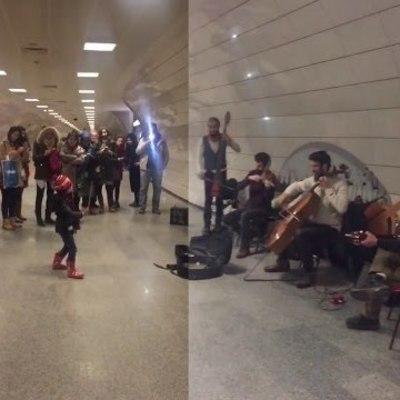 Маленькая девочка смогла дирижировать уличным оркестром (видео)