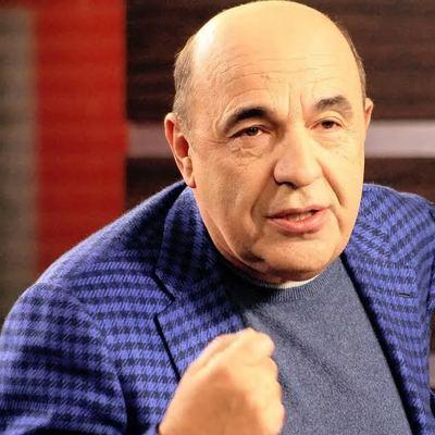 Рабинович выступил против отмены праздника 8-го марта