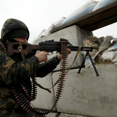 Снайперы российских оккупантов обстреляли офицеров украинской стороны
