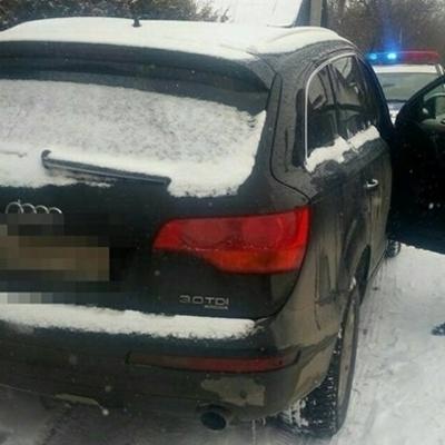 Львовские мажоры с битами на люксовом Audi заблокировали маршрутку с людьми (фото)