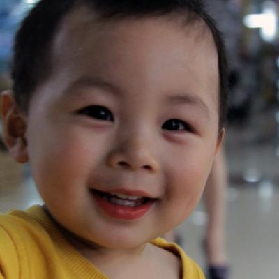 В Китае мужчина продал сына, чтобы расплатиться с долгами