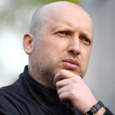 Россия каждый день перекидывает на Донбасс технику и оружие, - Турчинов