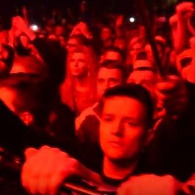 На концерте Brutto белорусы на коленях почтили память воинов АТО (видео)
