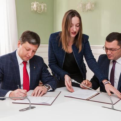 В КГГА подписали Меморандум о сотрудничестве в рамках пилотного проекта «Постоянство ВИЧ-услуг»