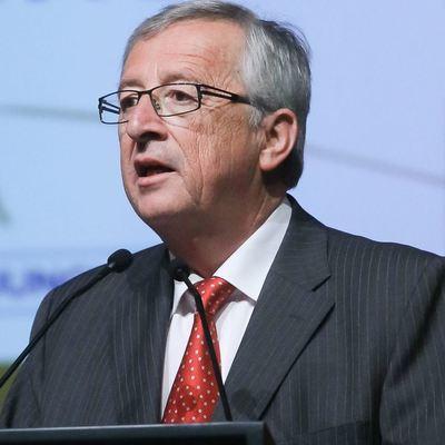 Глава Еврокомиссии явился пьяным на саммит в Женеве (видео)
