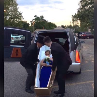 В США школьница приехала на выпускной бал на катафалке в гробу (видео)