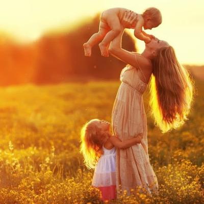 Сегодня в Украине отмечается День матери