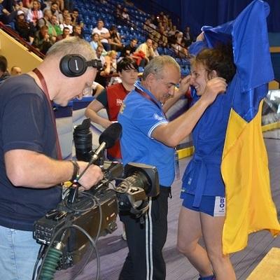 Украинка завоевала золото чемпионата Европы по самбо, победив в финале россиянку