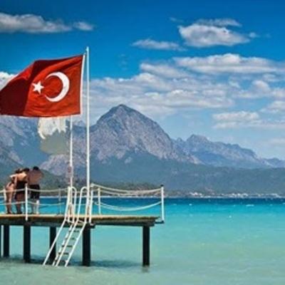 С сегодняшнего дня украинцы могут ездить в Турцию по ID-картам
