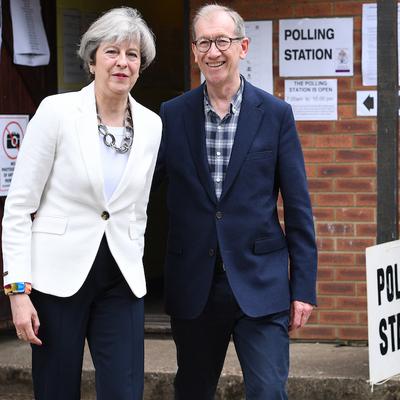 Первые данные выборов в Британии